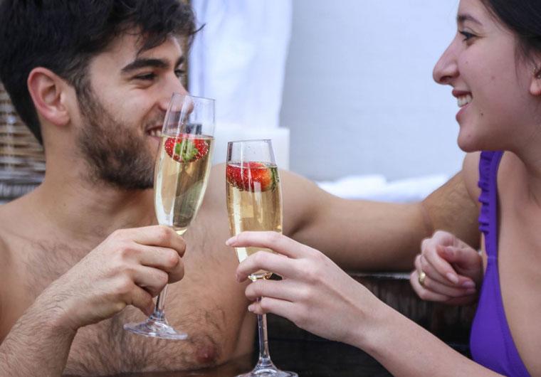 ולנטיין דיי - לחגוג את האהבה בחופשה רומנטית בתל אביב